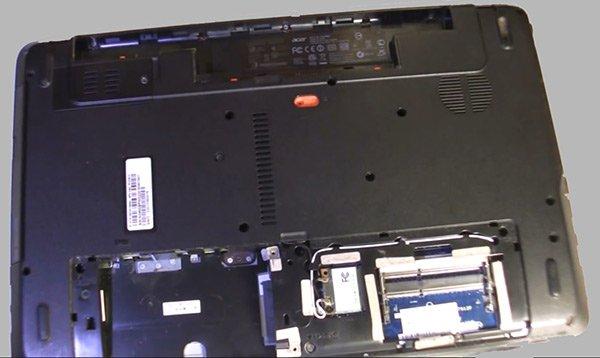 6-ноутбук-без-жесткого-диска,-оперативной-памяти-и-батарейки