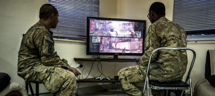 Французские военные играют в шутеры