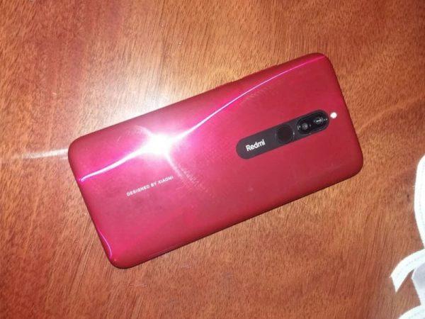 В Сети появились первые «живые» фотографии смартфона Redmi 8A