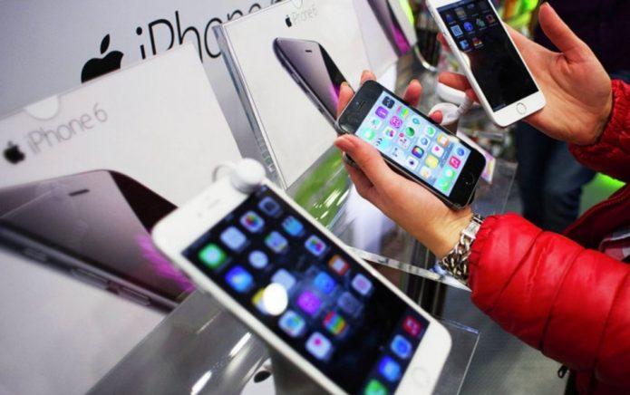 Демонстрационный стенд с iPhone