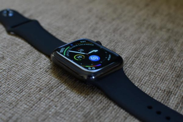 Титановые Apple Watch 5: особенности, которые заставят их купить