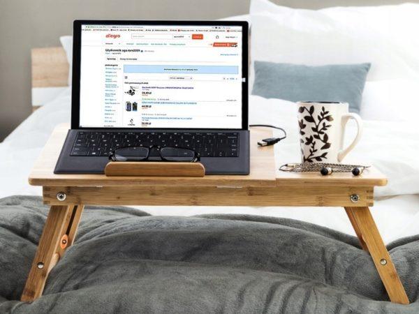 3 аксессуара, которые помогут с комфортом пользоваться ноутбуком лежа