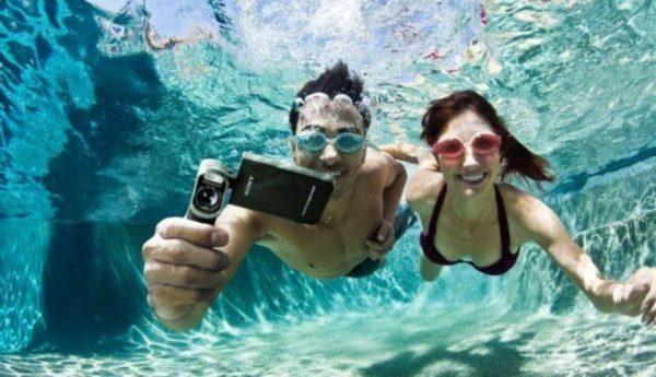 5 водостойких гаджетов, которые можно брать с собой и в душ, и на пляж