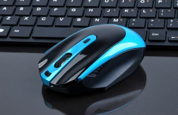 8 удобных компьютерных мышек, которые стоят меньше 1000 рублей