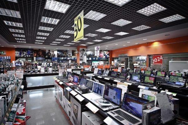 2 примера, как при покупке техники магазины пытаются нам навязать платную гарантию